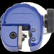 Brake pipe coating removal tool